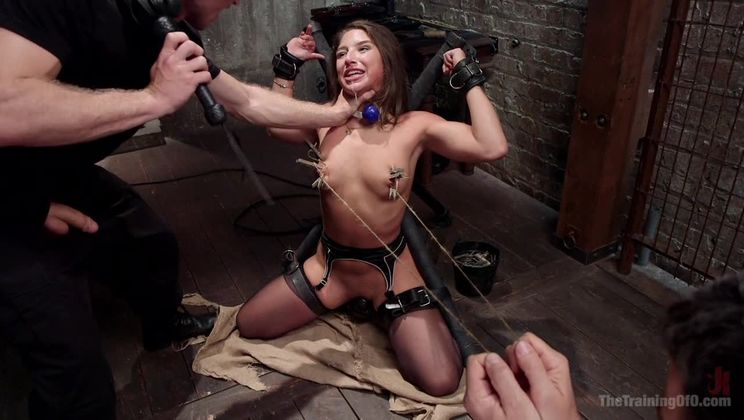 Abella Danger's Anal Submission, Day Two