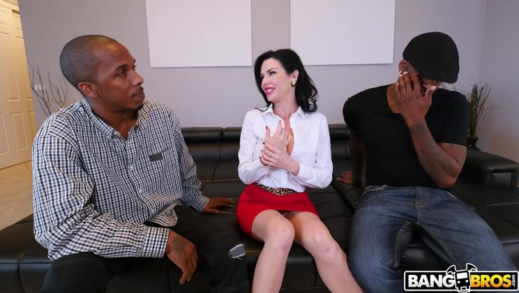 Realtor Gets Double Penetration From Monstrous Cocks