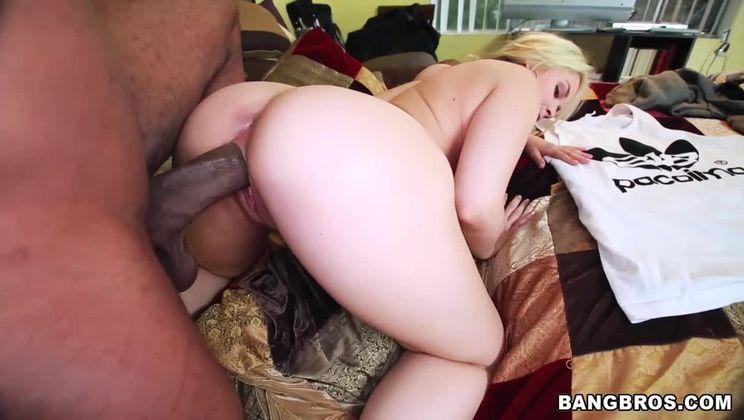Deep Throat Queen Sarah Vandella Takes Huge Cock