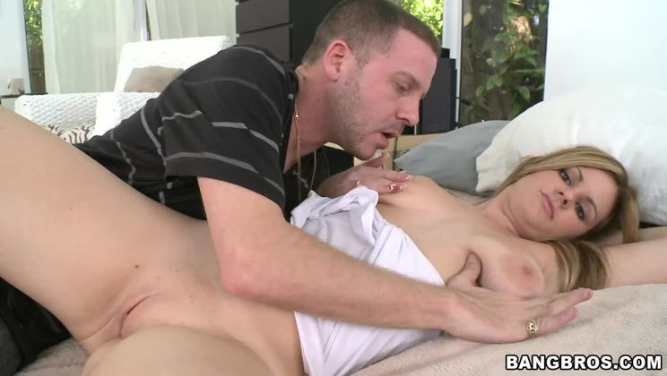 Massive natural tits go along with this sloppy blowjob