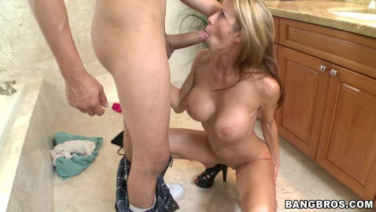 Milking a Dick w/ Alexis Fawx